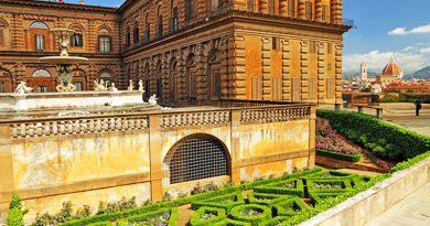 کاوش در کاخ پیتی و باغهای بوبولی فلورانس